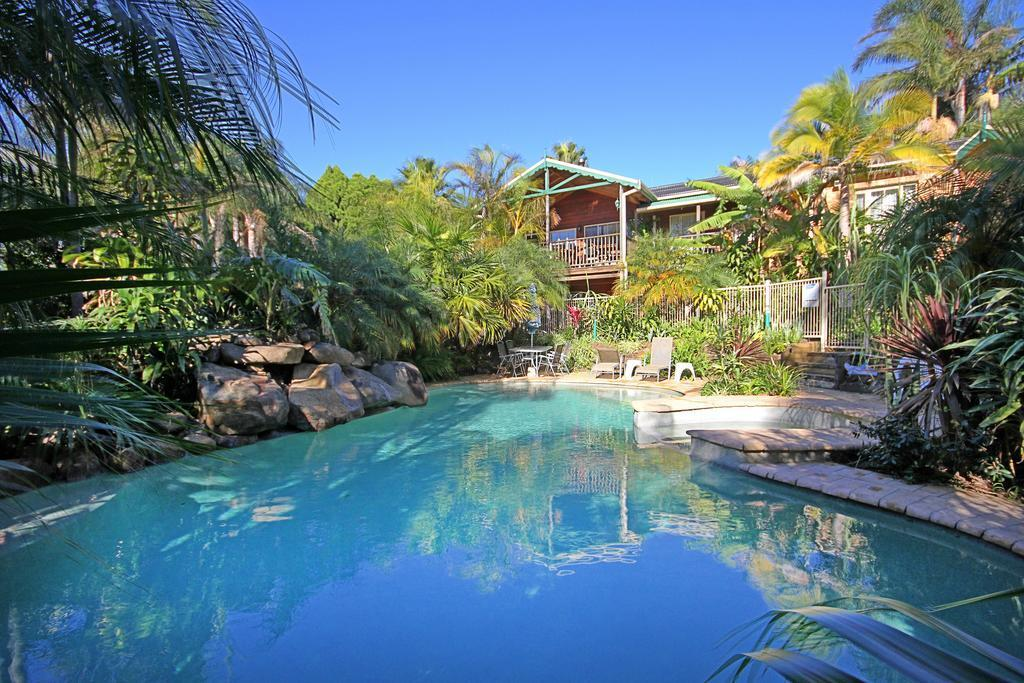 SOUTH COAST GUEST HOUSE FOR SALE  - EXCLUSIVE RESORT STYLE