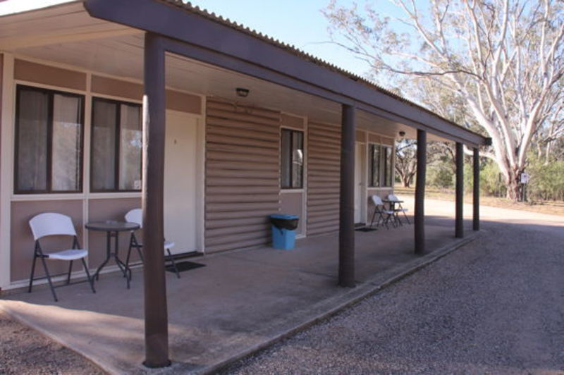 MOTEL / CABIN STYLE ACCOMMODATION FOR SALE - TREE CHANGE - RIVERSIDE LOCATION