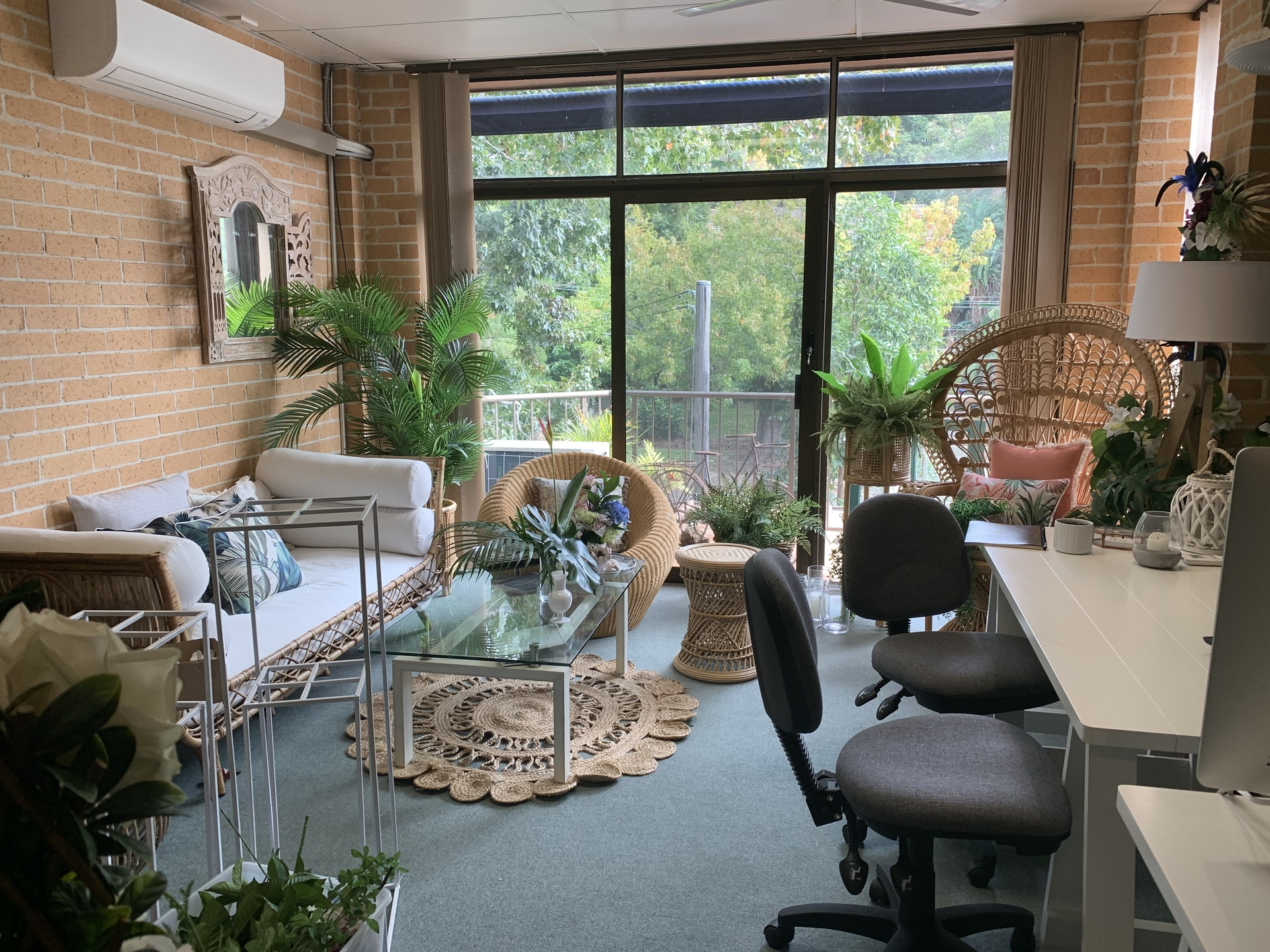 GENEROUS INCENTIVES OFFERED FOR THE RIGHT TENANT!